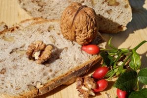 bread with nuts