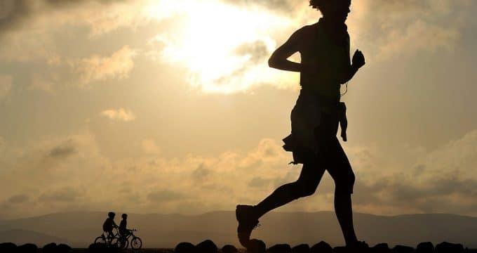 runner running long distance